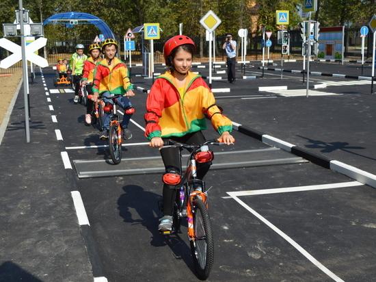 В Серпухове открыли детский автогородок и выпустили дорожную азбуку