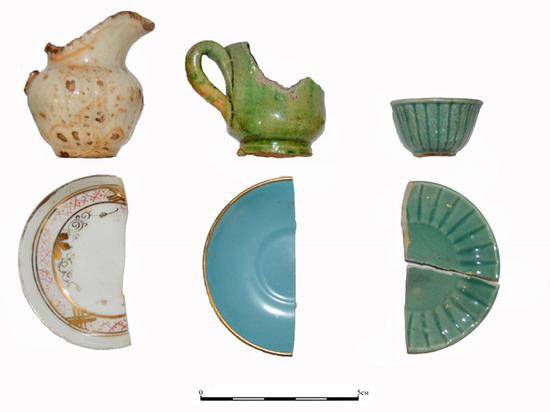 Археологи показали сервиз, из которого пили чай куклы