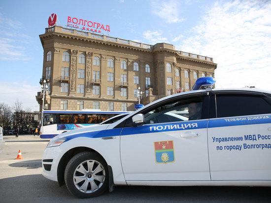 Работница банка под Волгоградом крала деньги, используя телефоны клиентов