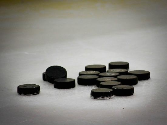 Новые контракты с клубом НХЛ пока не заключены