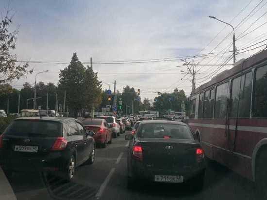 Выезд с Правобережья Калуги заблокирован