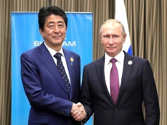 В Японии обсуждают приватную встречу главы правительства с президентом РФ