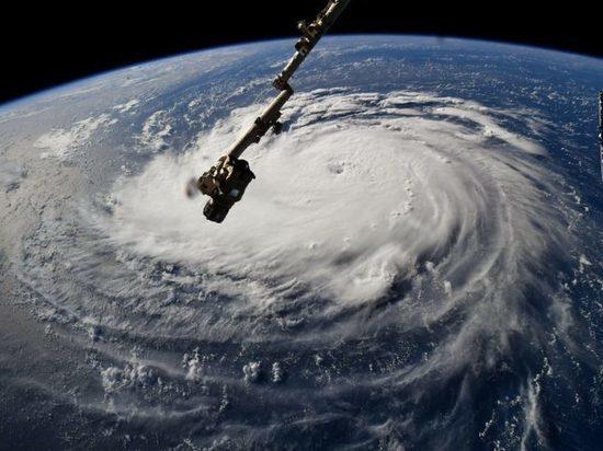 Из-за урагана