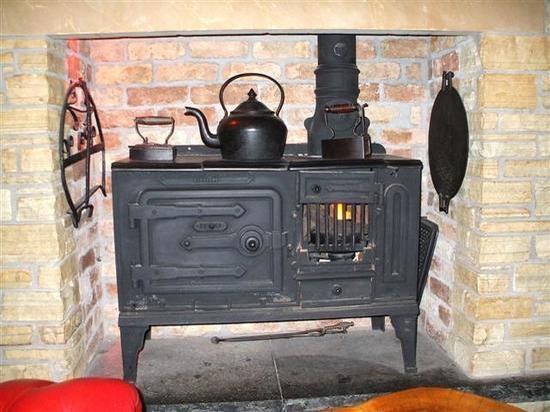 Новокузнечанка предложила оборудовать квартиры печками и дымоходом