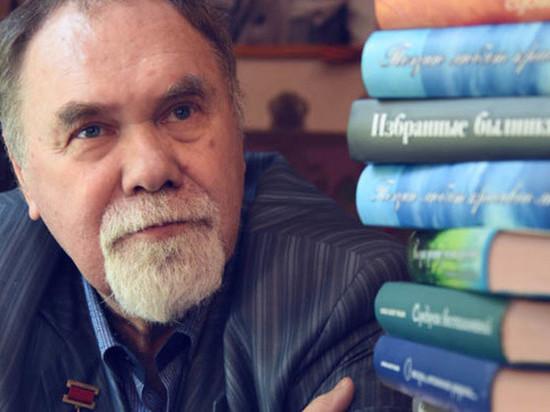 Умер писатель Александр Раков