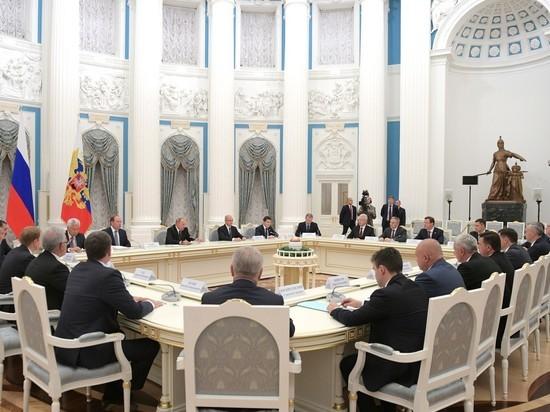 Путин призвал глав регионов максимально быстро включиться вработу