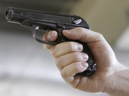 Хозяин агрессивного пса расстрелял соседа и его дочку из пистолета