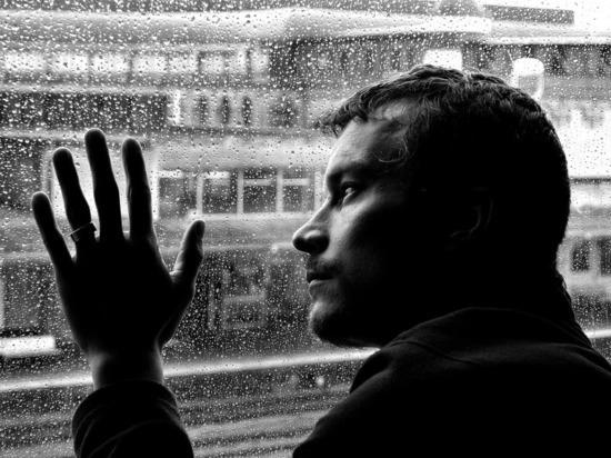 Жизнь без удовольствия: названы главные симптомы депрессии