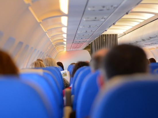 Авиадебошир угрожал взорвать самолет: хотелось в бизнес-класс, не пустили