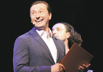 Сергей Безруков открыл театральный сезон танцем