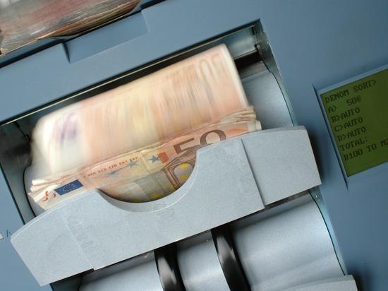 Банковские услуги: где они подорожали, а где все еще стоят копейки