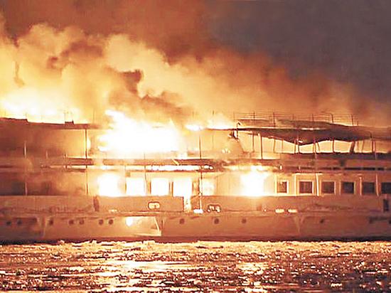 Пожару на борту предшествовали загадочные события