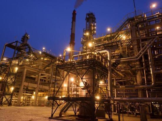 «Роснефть» начала промышленный выпуск нового высококачественного бензина