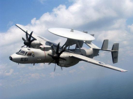 Моряка разрубило винтом самолета на палубе авианосца George Bush