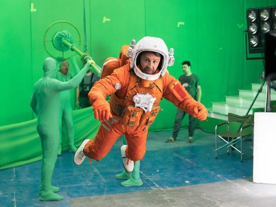 Илья Найшуллер, кинокомпания Versus Pictures и студия CGF отправили Сергея Шнурова в космос
