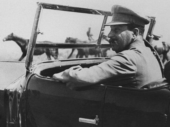 Открылась выставка рассекреченных документов из архива Сталина