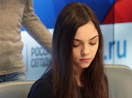 Медведева упустила лидерство на Autumn Classic, упав в произвольной программе