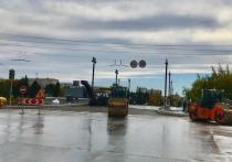 На Юбилейном мосту в Омске начали укладывать тротуары