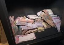 Сотрудница зубной клиники Новокузнецка украла 500 тысяч рублей и попала в ловушку