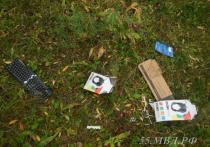 Из омской школы украли дорогие наушники и клавиатуры