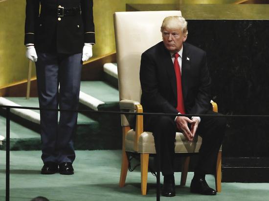 Президент США заявил, что Америка при его президентстве буквально расцвела и уколол своих неумелых предшественников