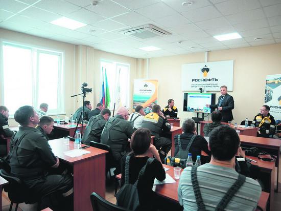 На месторождении Эргинского кластера открылась школа журналиста-нефтяника