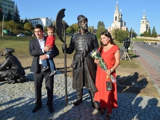 В Серпухове появились новые уличные скульптуры