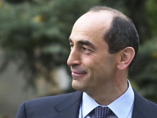 Экс-президент Армении Кочарян судится с премьером Пашиняном