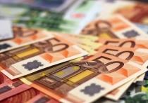Российские банки решили подстраховаться, закупив рекордный объем евро