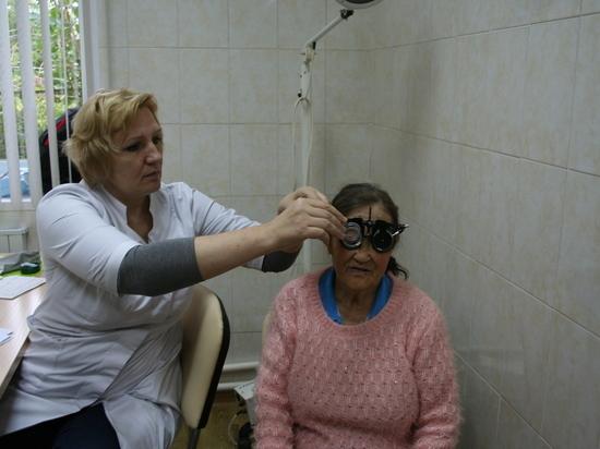 По поручению Дубровского врачи областных больниц ведут прием на селе