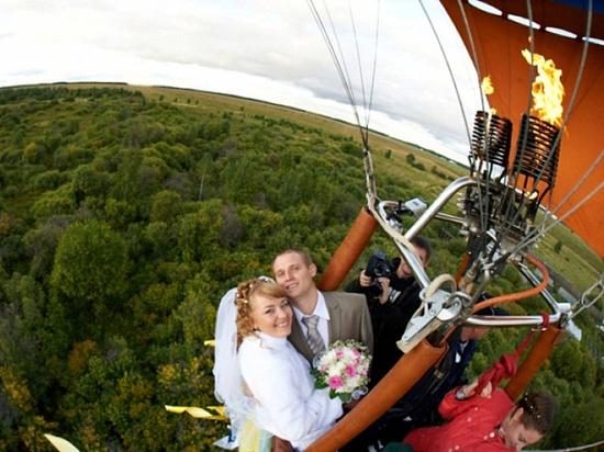 «Скромное» венчание  на воздушном шаре