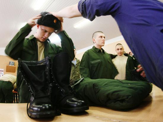Сексолог рассказал, чем опасно для солдата вынужденное расставание с любимой
