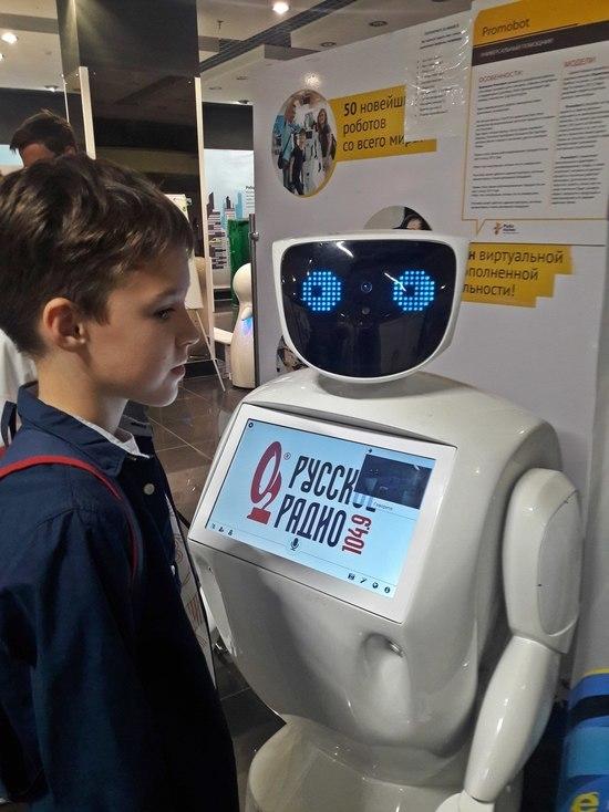 Роботы с характером: в Симферополе открылась уникальная выставка