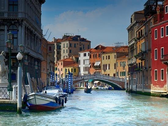 Венеция вводит «сухой закон»: бутылки запретили даже носить в сумке