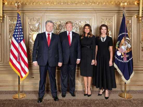 Эксперт об одинаковых костюмах Порошенко и Трампа: хотел польстить