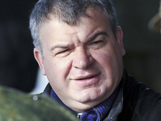 Сердюков призывал выгнать из госпиталя искалеченного в Чечне генерала Романова