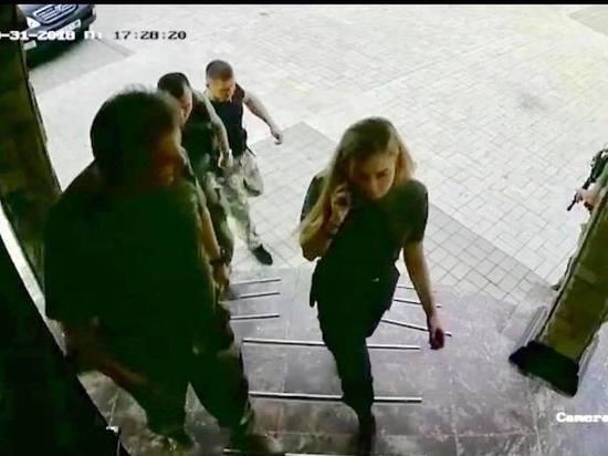 Украинский офицер поиздевался над последними фото гибели Захарченко: