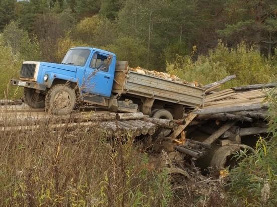 В Оричевском районе рухнул мост