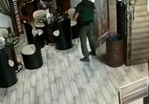 Действия охраны Захарченко на видео взрыва поразили эксперта