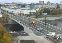 На Юбилейном мосту в Омске появилась разметка