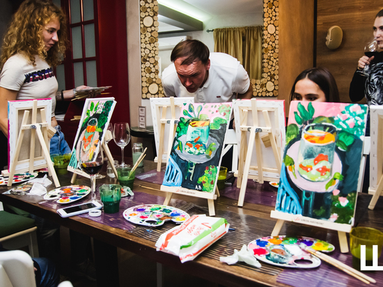 «МК в Астрахани» научил региональных журналистов рисовать