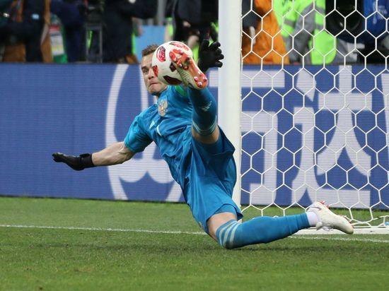 «Пришли честолюбивые дублёры»: почему Акинфеев ушёл из сборной