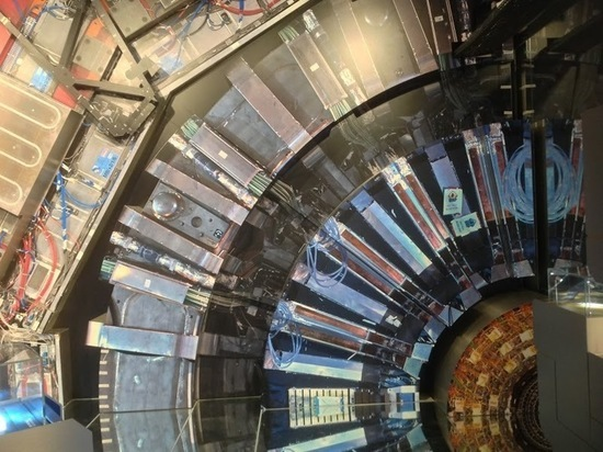 На БАК открыли новые частицы: почему это важно