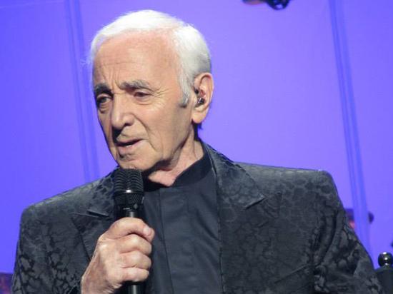 Скончался французский шансонье Шарль Азнавур
