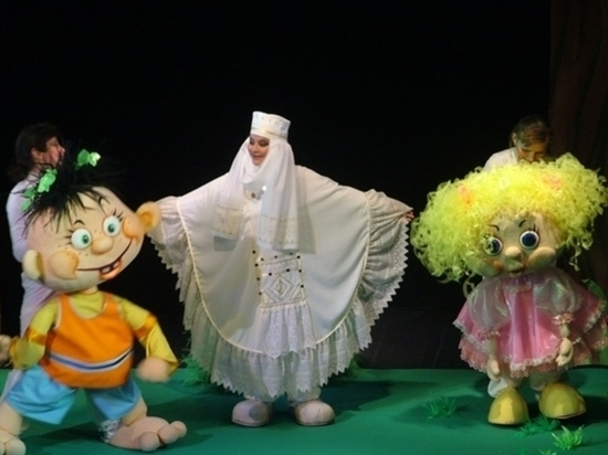 В Тулу не с самоваром, а с куклами