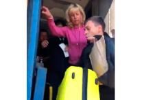 На Украине из-за нераспечатанных билетов пассажира вместе с вещами вытолкали из поезда, следовавшего из Ковеля в Москву