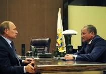 Политологи назвали причины отставки глав Курганской и Липецкой областей