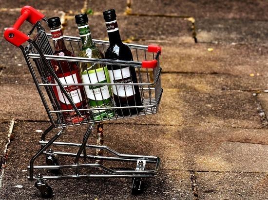 Лукашенко решил: в Белоруссии снова начнут продавать алкоголь по ночам