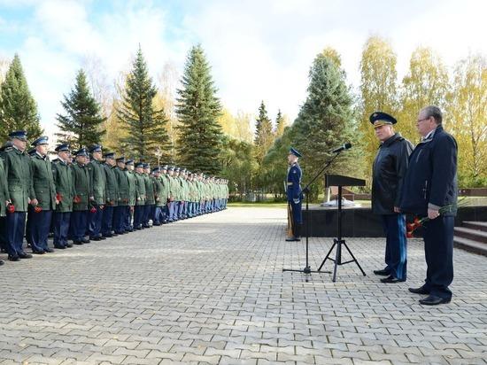 Губернатор области Олег Кувшинников получил благодарность начальника космодрома «Плесецк»