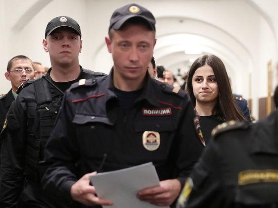 Сестер Хачатурян освободили под давлением общества: почему обжалуют решение суда